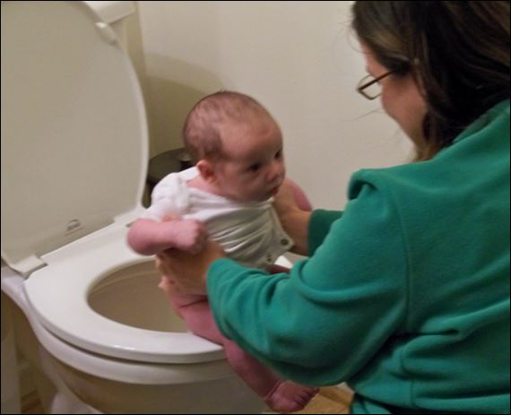 baby pooping