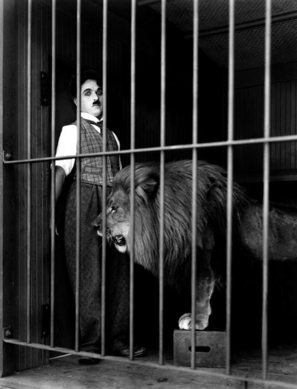 charlie chaplin in the lion cage